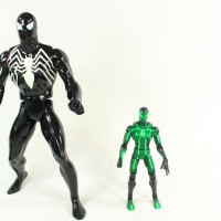 Secret Wars Spider Man Black Suit Jumbo 12 Inch Retro Gentle Giant Toy Action Figure Review