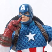 Mezco Captain America Modern 1:12 Collective Comic Toy Action Figure Review