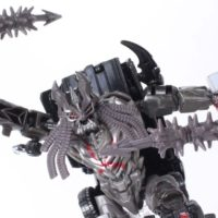 Transformers The Last Knight Berserker Premier Edition Deluxe Class Movie Action Figure Toy Review