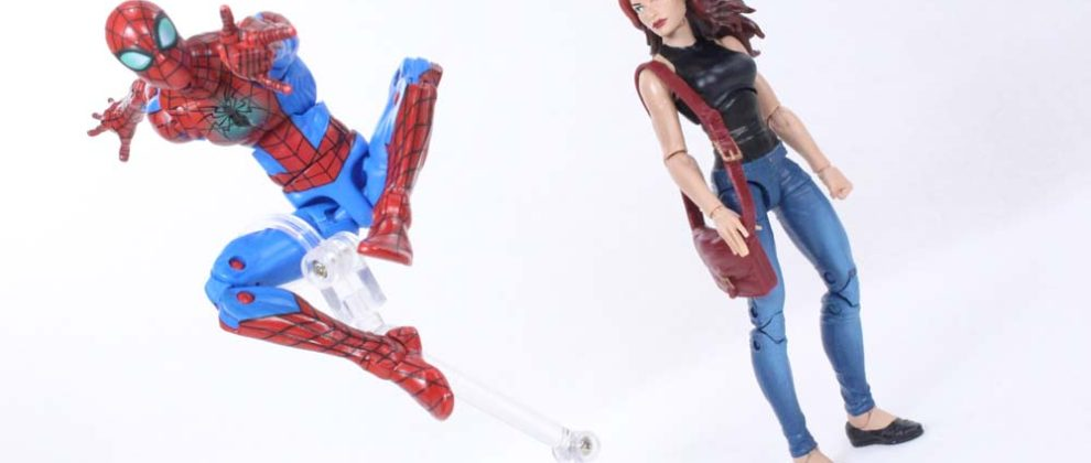 Marvel Legends TRU Spider-Man Mary Jane Watson Toys R Us Exclusive 2-Pack Action Figure Toy Review
