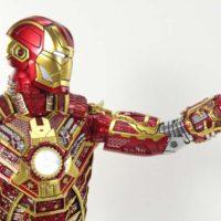 Hot Toys Retro Bones Iron Man Mark 41 Iron Man 3 Movie SDCC 2017 Exclusive Action Figure Toy Review