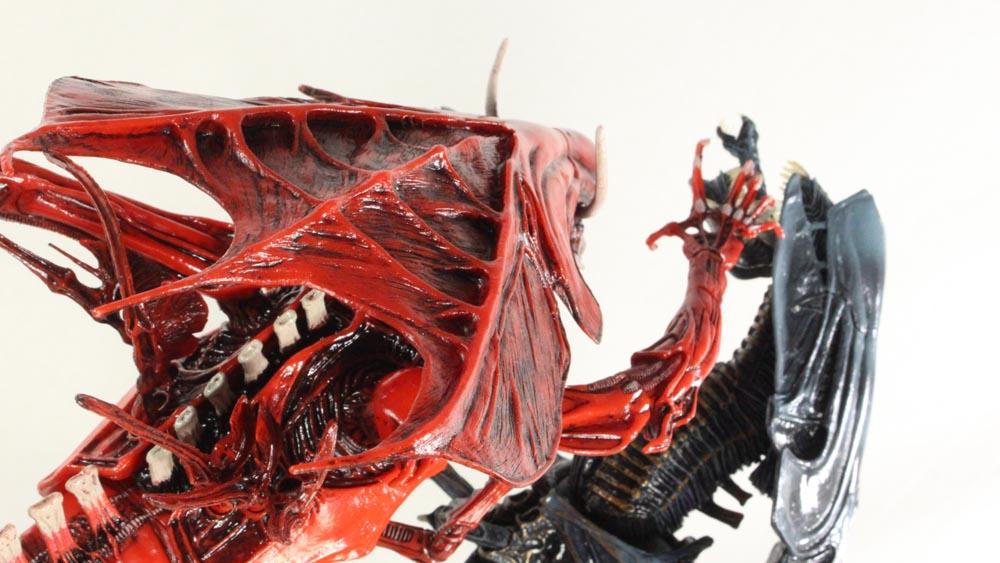 Aliens Genocide Red Queen Mother Deluxe NECA Toys Comic Book Action