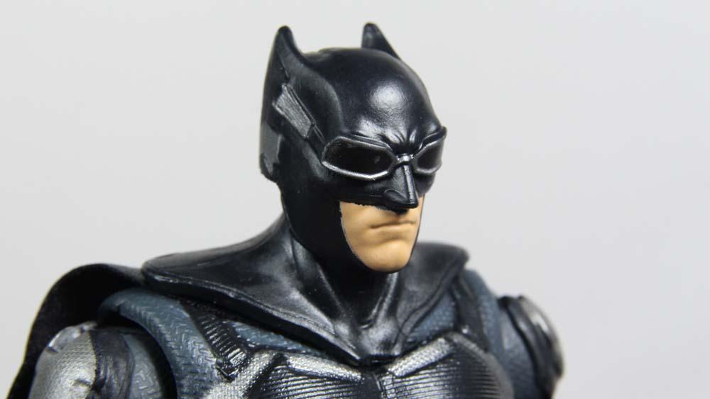 DC Multiverse Batman Tactical Suit Justice League Movie Mattel Steppenwolf C&C Figure Toy Review